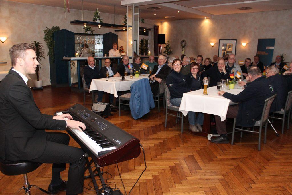 19-03-06-Heringsessen-II